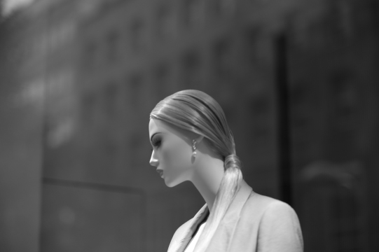Website-L1213136-#other #blackandwhite #mannequin #hansmartindoelz